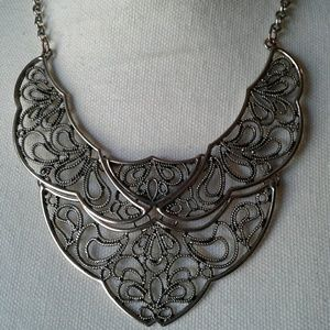 Jewelry - 🌺 Amazing Nickel Plated Statement Necklace